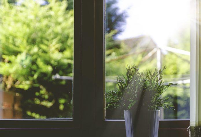 jak wybrać profile okienne